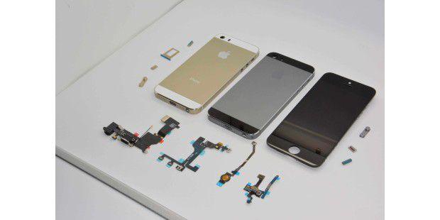 Offenbar die kommende iPhone-Reihe: iPhone 5S in Schwarz, Gold und das iPhone 5C.
