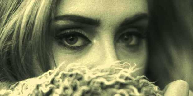 "Adele in dem Musikvideo der Erfolgsingle ""Hello""."