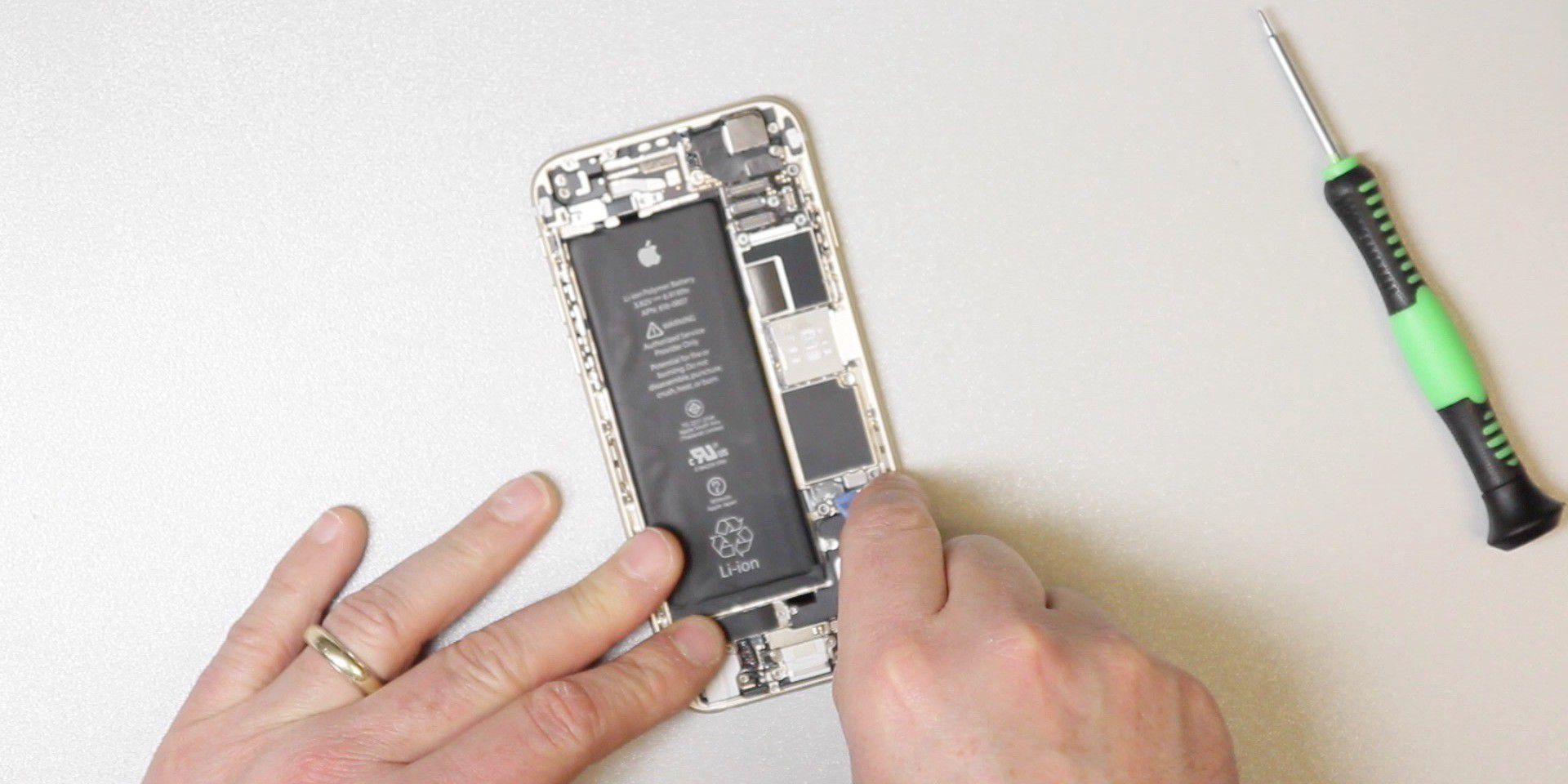 akkutausch beim iphone 6 s schritt f r schritt macwelt. Black Bedroom Furniture Sets. Home Design Ideas