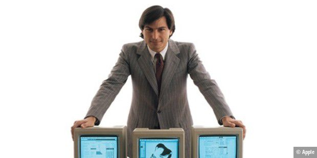 Steve Jobs mit Macintosh