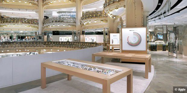 Ein Pop-Up Shop von Apple in der Pariser Galeries Lafayette.